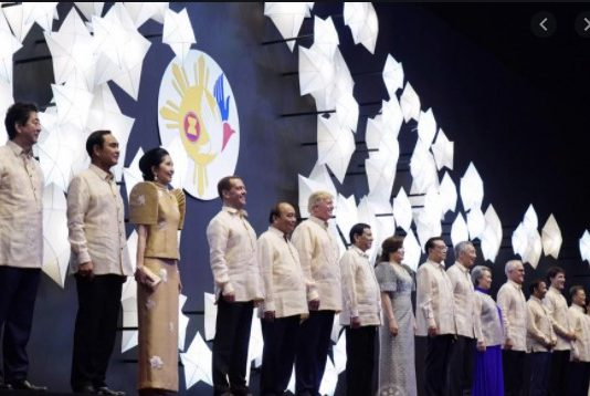 Filipino wear for the 31st ASEAN Summit gala dinner